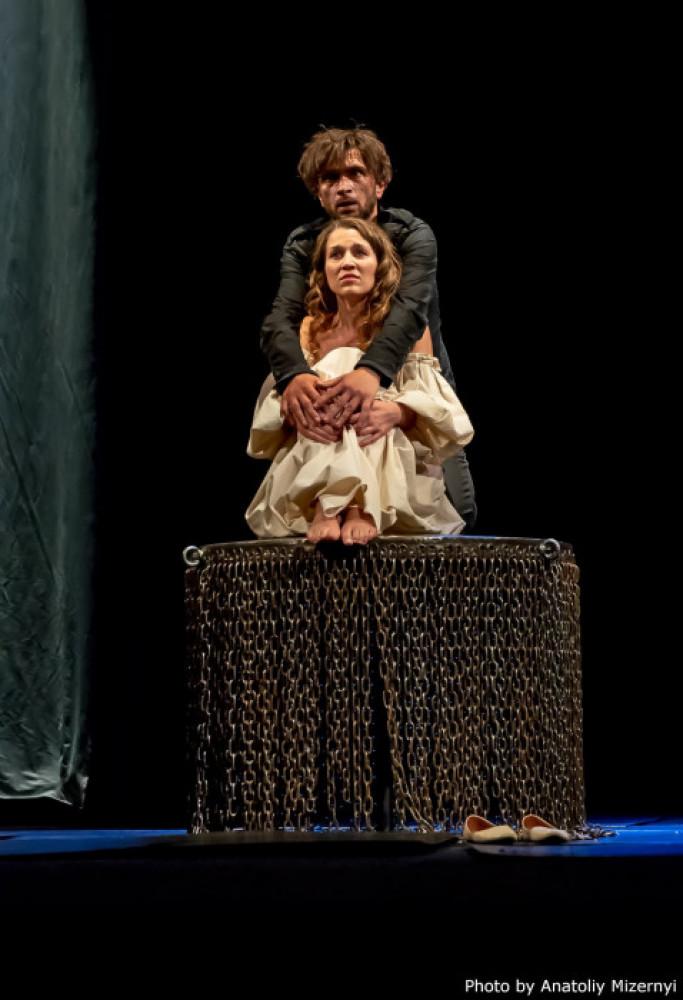 Сцена зустрічі Гамлета та Офелії. Гамлет виконує монолог